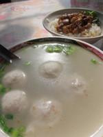 魯肉飯と白身魚の団子スープ